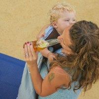 Мадонна с пивом :: Михаил Букреев (NYIP)