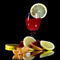 Натюрморт с фруктами :: Марина Кириллова