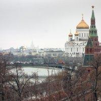 Из-за стен Кремля :: Алексей Окунеев