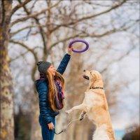 Вне зависимости от того, сколько у Вас денег и прочих приобретений, если у Вас есть собака — Вы Бога :: Алексей Латыш