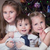 Сестры и братик :: Любовь Якимчук