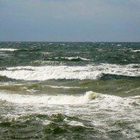 море волнуется... :: Марина Харченкова