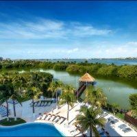 Естественное озеро расположено в отеле и рядом с морем...Карибы.Мексика. :: Александр Вивчарик