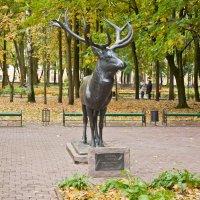"""Смоленск. Скульптура Оленя в парке """"Блонье"""" :: Алексей Шаповалов Стерх"""