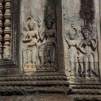 Камбоджа. Фрагмент из огромного количества барельефов храма Ангкор Ват. :: Rafael