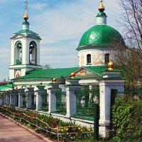 Храм на Воробьевых Горах. :: Борис Соловьев