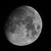 Смотри, луна зажгла свой свет :: Степан Поросков