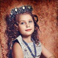 Девочка в веночке :: Татьяна Семёнова
