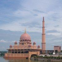 Розовая мечеть :: Сергей Мольков