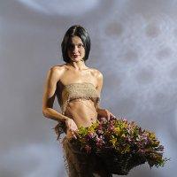 девушка с цветами :: сергей коник