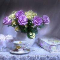 Сиренью бледнеющей, розы... :: Валентина Колова