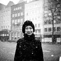 Портрет со снежком :: Евгений Золотаев
