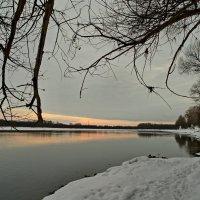 Зимняя река. :: Владимир Михайлович Дадочкин
