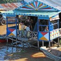 Камбоджа. Озеро Тонлесап. Плавучий вьетнамский город. Семья :: Владимир Шибинский