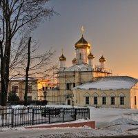 Золотые купола в лучах заката :: Андрей Куприянов