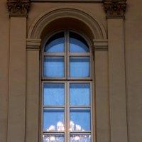 В окне ... :: Лариса Корженевская