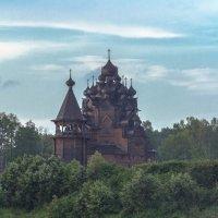 Деревянный храм на Неве :: Александр Кореньков