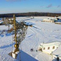 Вид с колокольни Крыпецкого монастыря. Ангел :: Елена Павлова (Смолова)