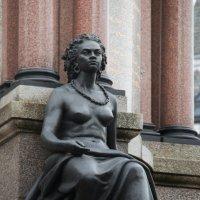 Скульптурная группа перед входом в Альберт Холл - 1 :: Дмитрий Сорокин