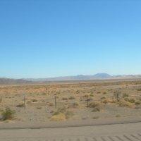Сейчас среди этой пустыни возникнет сказочный Лас-Вегас... :: Владимир Смольников