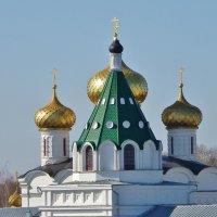 Надвратная церковь великомучеников Хрисанфа и Дарии. :: Святец Вячеслав