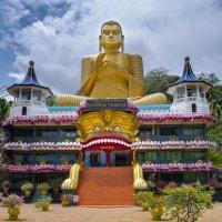 Храм Зуба Будды в Дамбулле. :: Edward J.Berelet