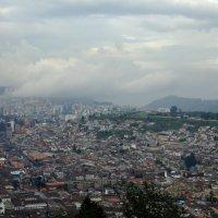 Вид на Кито с высоты 3400м :: Igor Khmelev