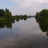 Речной   канал  в  Бурштыне :: Андрей  Васильевич Коляскин