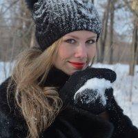 Поиграем в снежки? :: Вероника Подрезова