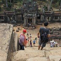 Камбоджа. Храмовый комплекс Ангкор-Ват. Вид с вершины храма :: Владимир Шибинский