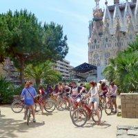 По Барселоне на велосипедах. :: Чария Зоя