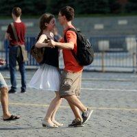 потанцуем-ну и что-что на красной площади :: Олег Лукьянов
