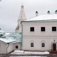 Сытный двор в Коломенском. :: Владимир Болдырев