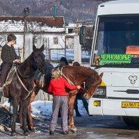 транспортные средства приветствуют друг друга :: Валерий Дворников