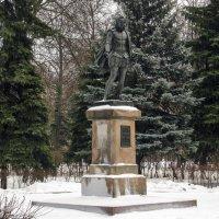 Памятник Сервантесу :: Анатолий Цыганок