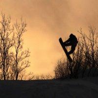 Сноубордист. Тренировка на закате. :: Роман Маркин