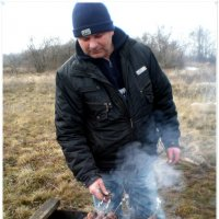 Саша готовит шашлык :: Татьяна Пальчикова