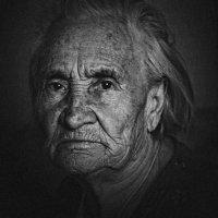 моя бабушка :: Илья Сигунов