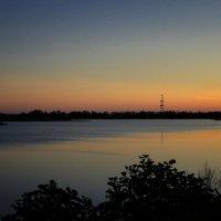 Закат на озере... :: Irina Polkova