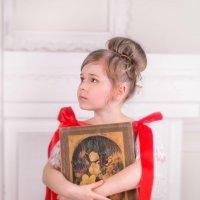 Девочка с книгой :: Татьяна Китова