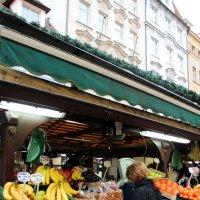 На рынке :: Лариса Корженевская