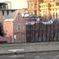 На Пречистенской набережной. :: Елена