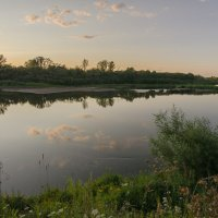 Вечер над тихой рекой :: Валентин Котляров