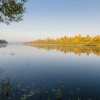 Осенняя река :: Валентин Котляров