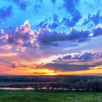 Закат над озером :: Николай Андреев
