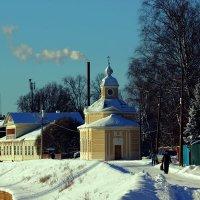 зима на улицах города :: Сергей Кочнев