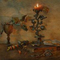 Моя свеча уж догорает. И воск расплавился давно. :: Ирина Данилова
