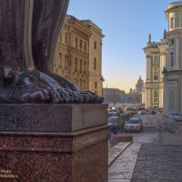 «Когда на сердце тяжесть и холодно в груди, к ступеням Эрмитажа ты в сумерках приди ...» :: Valeriy Piterskiy