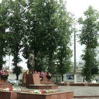 Вечный огонь -  памятник Воинам в Подмосковном городе Люберцы :: Ольга Кривых