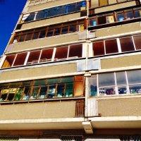 Насыщенная балконная жизнь :: Светлана Лысенко